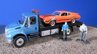 International DuraStar Flatbed and Delivery Trucks From Greenlight Collectibles Green Machine thumbnail