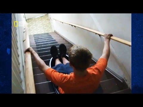 science of stupid comment faire de la luge dans les escaliers youtube. Black Bedroom Furniture Sets. Home Design Ideas