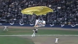 1986 WS Gm6: Fan parachutes onto infield