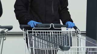 Koronawirus i nowe obostrzenia rządu. Czy sklepy zapewniają rękawiczki klientom? | Onet News