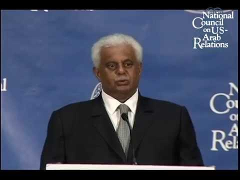 Presentation of Distinguished Global Leadership Award to H.E. Abdullah Bin Hamad Al Attiyah
