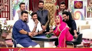 "Faysal Qureshi, Mehwish Hayat, Humayoun Saeed, Ahmed Ali Butt & Aijaz Aslam playing ""Truth or Dare"""