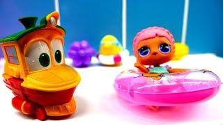 Spielzeugvideo für Kinder - Spielspaß im Schwimmbad mit den Robot Trains Toys
