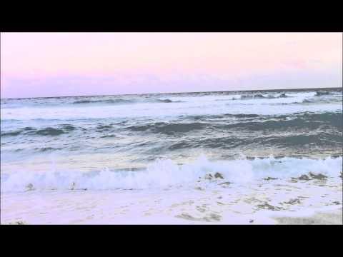 Atardecer en Playa de Cancun - Ocean Waves in Cancun Beach at sunset