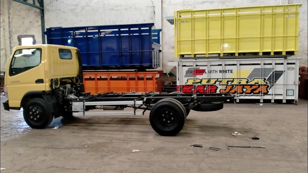 Pemasangan karoseri bak truk
