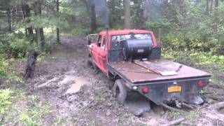 453t Detroit Diesel powered 78 Ford F250 vs mudhole