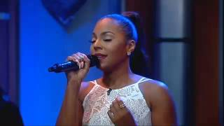 Ashanti Performs