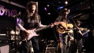 Watch Dave Alvin Dynamite Woman video