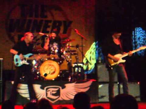 The Winery Dogs- The Other Side{The Emporium, Long Island NY 10/30/13}