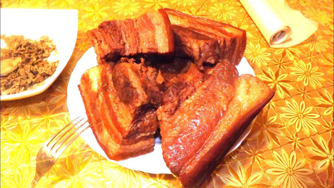Вареное сало в луковой шелухе