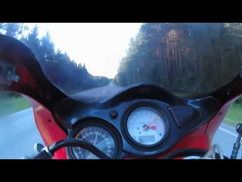 Suzuki tl1000s accelerating