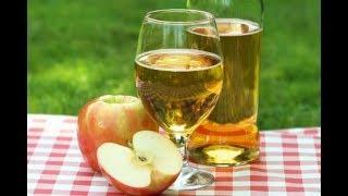 Домашний яблочный сок, заготовленный на зиму