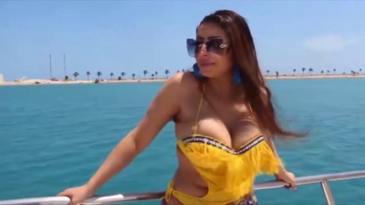 Download Hot body in a beach ! Hot bikini girl ! Hot Sexy