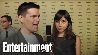 parks and recreation star aubrey plaza flips off the camera   entertainment weekly