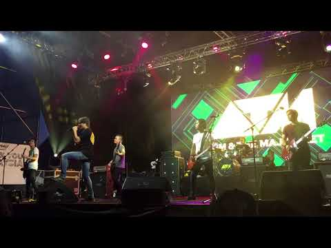 Akim & The Majistret - Lagu Untuk Laila | F1NALE Concert | F1 2017 Malaysia GP