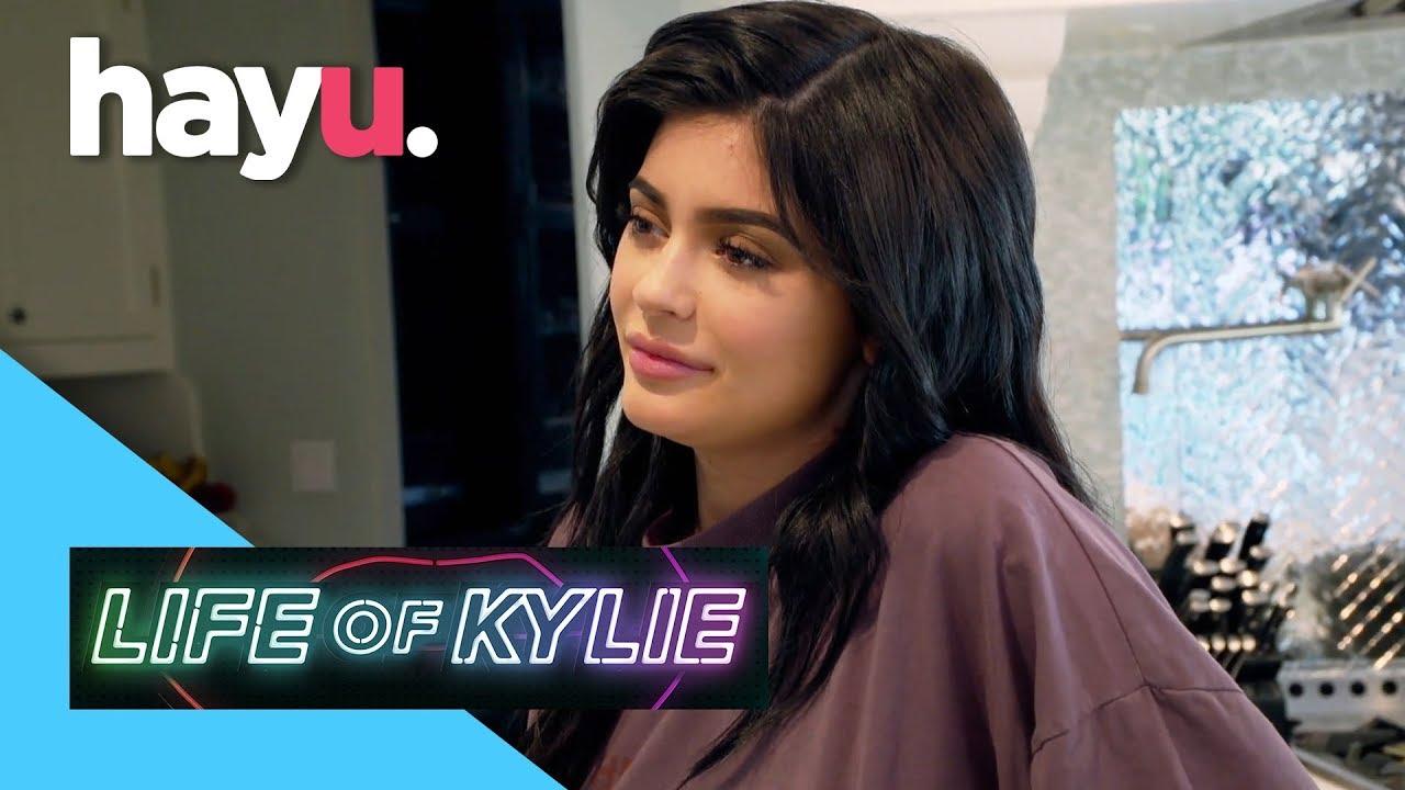 Download Kris Warns Kylie To Separate Work & Friendship | Life of Kylie