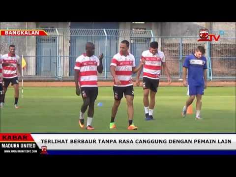 Peter Odemwingie Menikmati Latihan Perdana Bersama Madura United MaduraTV 13 04 2017