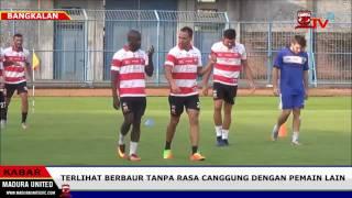 Video Peter Odemwingie Menikmati Latihan Perdana Bersama Madura United MaduraTV 13 04 2017 download MP3, 3GP, MP4, WEBM, AVI, FLV April 2017
