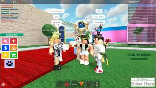 Gay social experiment prank in Roblox!! (So funny!)