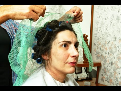 Makeover vintage: washing forword, trim cut, roller set and classic updo