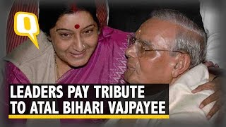 'End of an Era': Politicians Grieve Death of Atal Bihari Vajpayee | The Quint