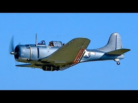 DOUGLAS SBD-5 DAUNTLESS BIG RC SCALE MODEL AIRPLANE WARBIRD DEMO FLIGHT / RC Airshow Hausen 2015