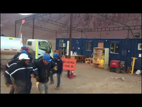 [Chile] eh eh eh tenemos sed - Obreros Chilenos Bailando