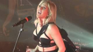 Ellie Goulding - Burn - LIVE PARIS 2014