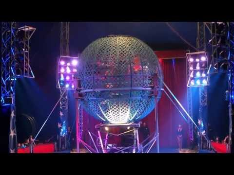 Globe of death 7 riders Planet circus 2015