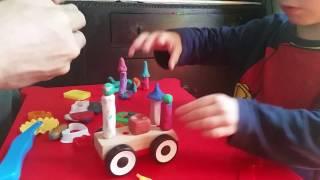 Машинка -  дворец из пластилина и на деревянной основе
