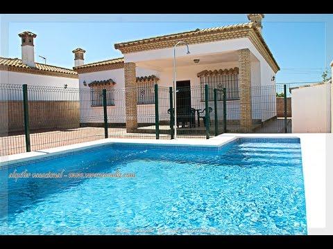 alquiler vacacional de chalet con piscina privada conil