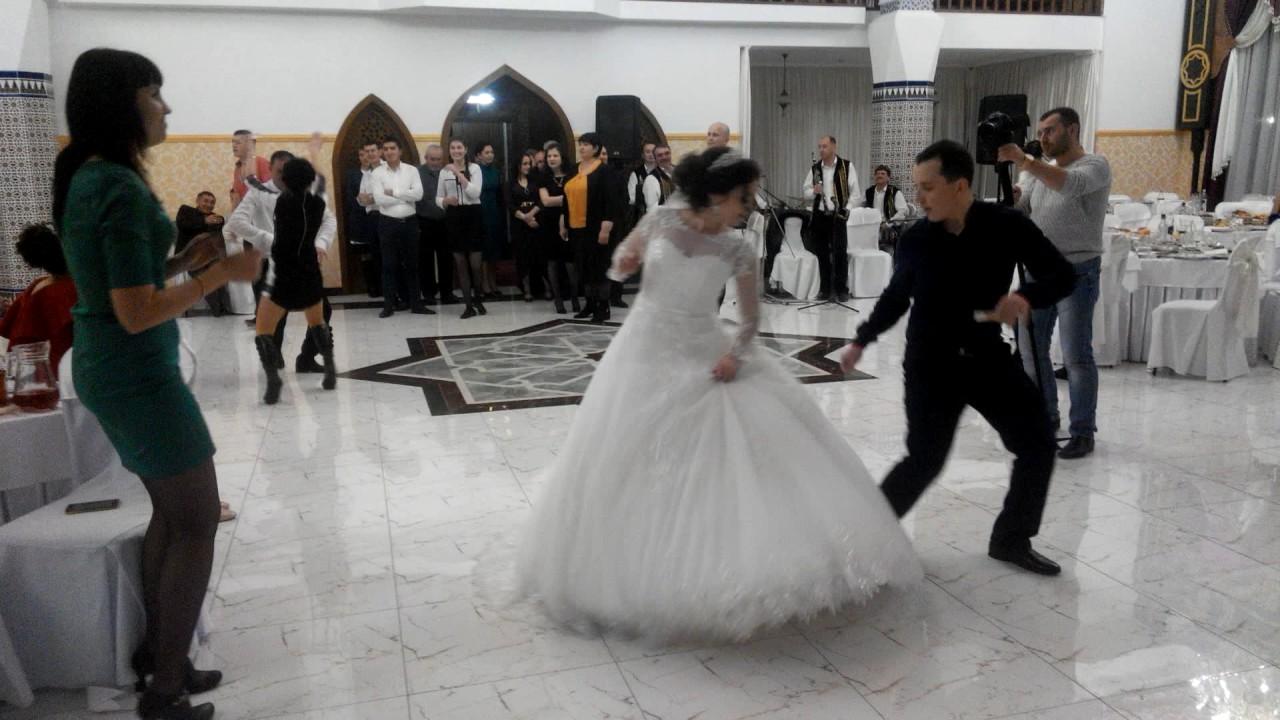 это фото свадьбы белогорск крым вышла