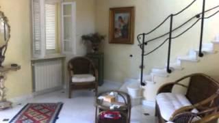 Pietrasanta: Villa Oltre 5 locali in Vendita