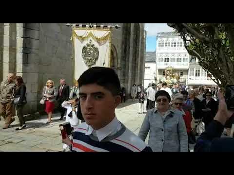 La procesión del Corpus recorre las calles de Viveiro