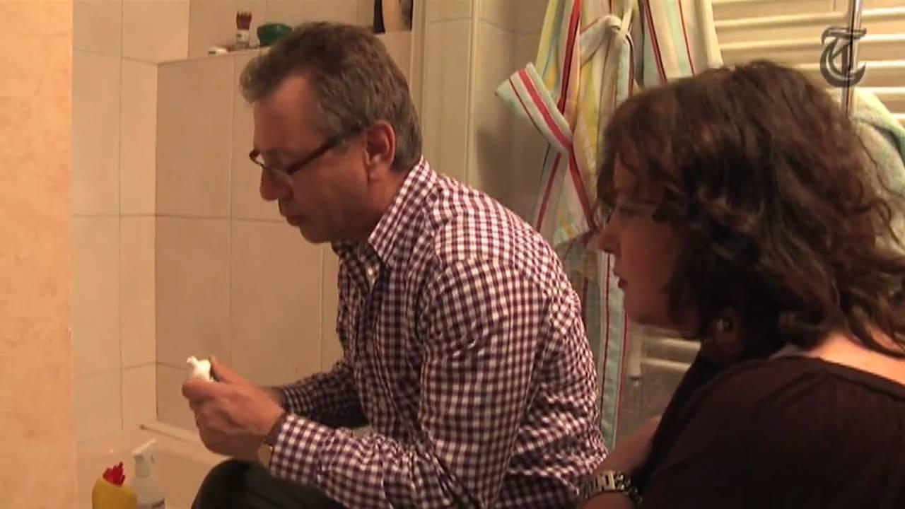 Badkamer Witten Schimmel : Hoe krijg ik schimmel uit de voegen van mijn badkamer? youtube
