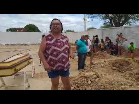 Parece o Incidente em Antares mas aconteceu em Petrolina: Sem coveiro para realizar enterro