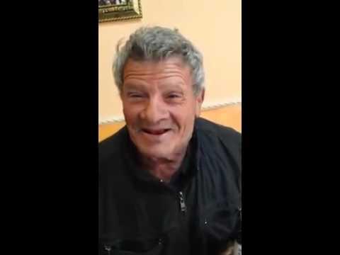 Un vecchio che canta