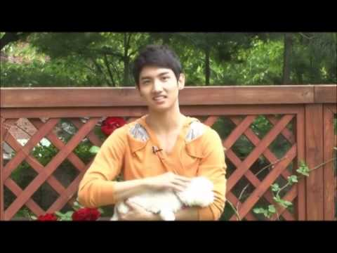 (HD) ♥DBSK/ TVXQ♥ (ENG SUB) *Changmin & his dog Interview*