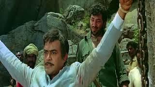 Gabbar Singh cutting Thakur's hand