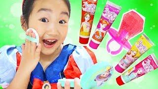 진짜 화장품 주인공은?? 어린이화장품 VS 사탕화장품 랜덤 뽑기! Lip Stick Candy kid makeup challenge