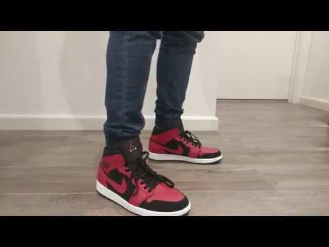 Nike Air Jordan 1 Mid Reverse Bred