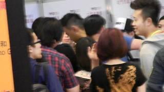 29/10/2011 蕭敬騰 - 殺手歐陽盆栽宣傳@香港tmt (1) 後台