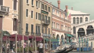 ► A Dinner Party in Venezia: Elegant - Barnaba Fornasetti, Osanna & Madina Visconti di Modrone Thumbnail