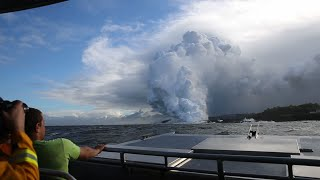 Toxic Cloud From HI Volcano Lava Seen Over Ocean