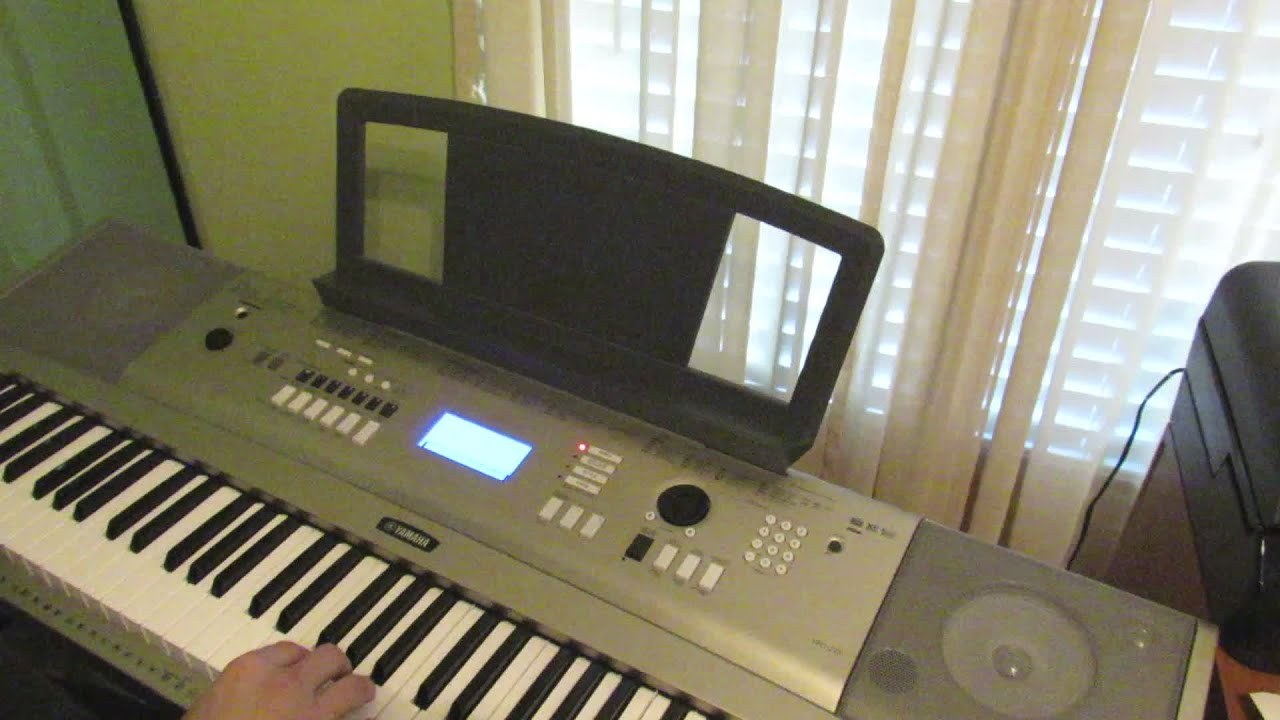 YPG-235 A Beginners Keyboard and Lesson Mode