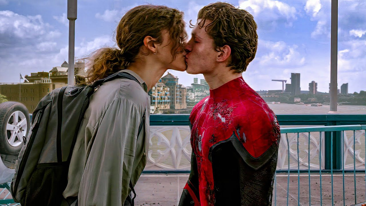 """Download Peter Parker and MJ Kiss Scene - """"I Really Like You"""" - Spider-Man: Far From Home (2019) Movie Clip"""