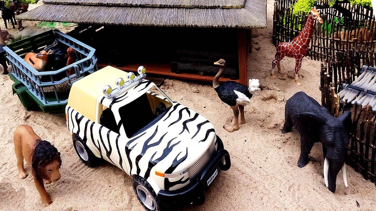 Download Safari Animal Figurines and Fun Playsets
