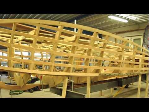 schiff ahoi jugendliche restaurieren altes boot in lindau. Black Bedroom Furniture Sets. Home Design Ideas