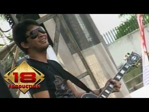 Peterpan - Dibalik Awan  (Live Konser Kotabumi 20 Maret 2008)