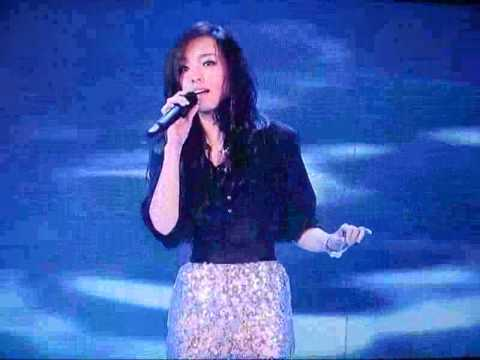 "A Chinese ""Super Voice"" girl singing in front of Simon"